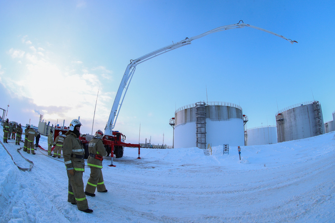 Тактико-специальные учения поликвидации аварийного разлива нефти инефтепродуктов напроизводственном объекте ООО«Газпром добыча Уренгой» (2020год)