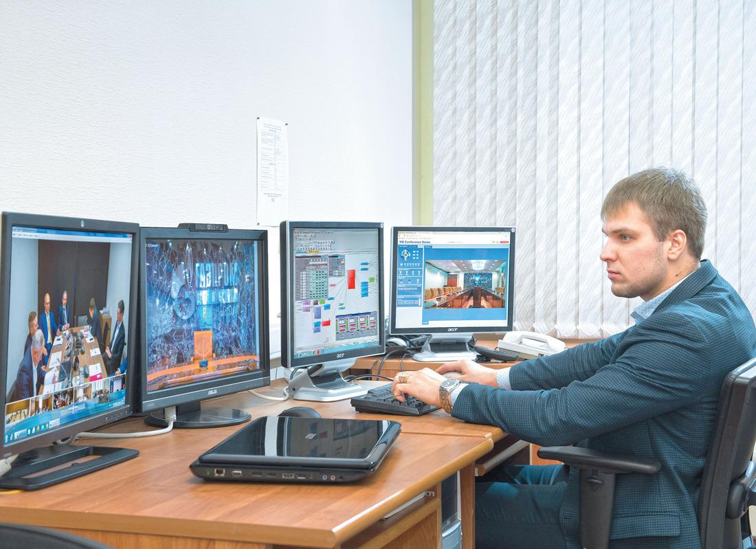 Благодаря видео- иаудиоконференциям решаются рабочие вопросы всовременных условиях